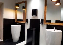 Salle d'eau / WC au Château de la Rairie à Pont Saint Martin (44)