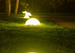 Luminaire dans le parc du Chateau de la Rairie à Pont saint Martin